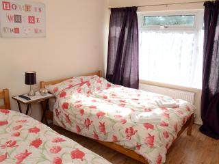 One bedroom  apartment   near Manor hospital - Oxford vacation rentals