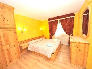 Residence Alpen Royal Davide Garden - Livigno vacation rentals