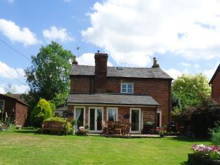5 bed house quiet village location large garden - Leominster vacation rentals