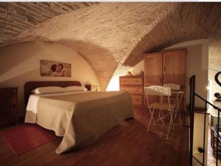 Loft del 1500 - Assisi vacation rentals