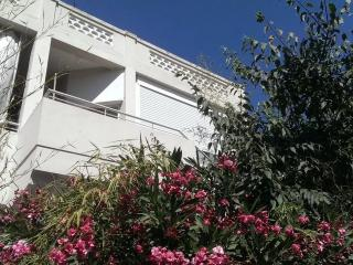 2 bedroom Condo with Internet Access in Toulon - Toulon vacation rentals