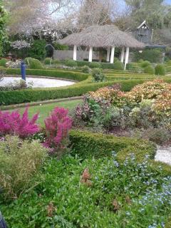 Limestone retreat / Rockvale Gardens / Venue rooms - Oamaru vacation rentals