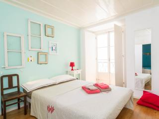 Castle/Alfama In the heart of old Lisbon - Lisbon vacation rentals