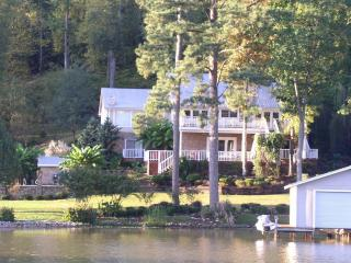 lake Guntersville LuxuryLake front with Swiming po - Guntersville vacation rentals