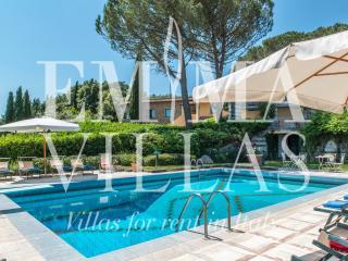 Il Vignale 18+2 - Arezzo vacation rentals