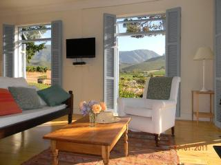 Gorgeous 1 bedroom Cottage in Robertson with A/C - Robertson vacation rentals
