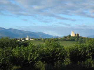 Cozy 1 bedroom Capvern-les-Bains Apartment with Internet Access - Capvern-les-Bains vacation rentals