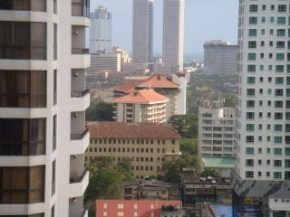 Cozy 2 bedroom Colombo Apartment with A/C - Colombo vacation rentals