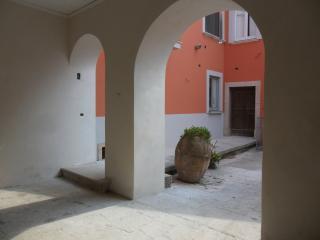 Palazzo Gentilizio de Maffutiis camera matrimonial - Auletta vacation rentals