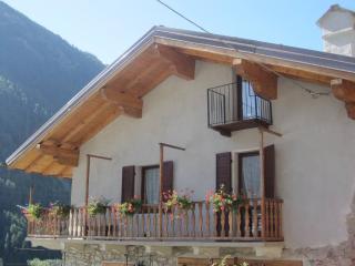 Per te.. grazioso appartamento in Valle d'Aosta - Valpelline vacation rentals