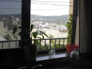Cozy Apartment with Balcony and Washing Machine - Mgarr vacation rentals
