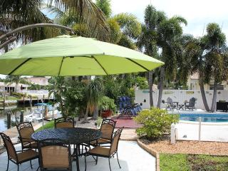 Stunning Waterfront Home, Walk to Everything - Pompano Beach vacation rentals