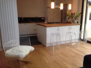 4 bedroom House with Internet Access in Le Mans - Le Mans vacation rentals