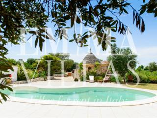 Trullo Piervi 4+2 - Bari vacation rentals