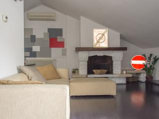 Wonderful loft, fully equipped, great location - Bergamo vacation rentals