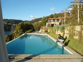 Beautiful Mosteiro vacation Gite with Deck - Mosteiro vacation rentals