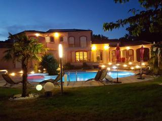 Nice 4 bedroom Villa in Lambesc - Lambesc vacation rentals