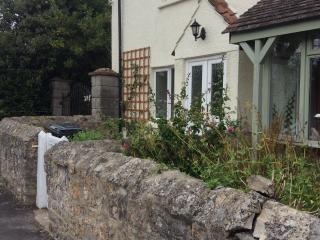 Quantock cottage, High street, Stogursey, Somerset - Bridgwater vacation rentals