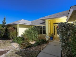 Great walk to beach home with solar heated pool - Englewood vacation rentals