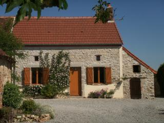 3 bedroom Farmhouse Barn with Parking Space in Viersat - Viersat vacation rentals