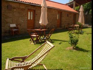 Quinta de Abol de Baixo - Casa da Aveleira - Entre-os-Rios vacation rentals