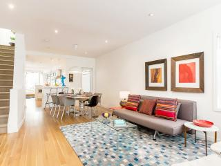 Stylish New House Downtown 2 bed, 2 bath, parking - Toronto vacation rentals