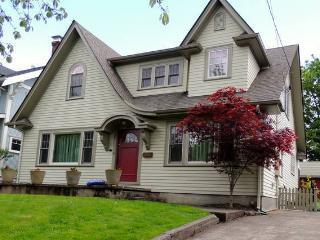 Historic Irvington Romance - Portland vacation rentals