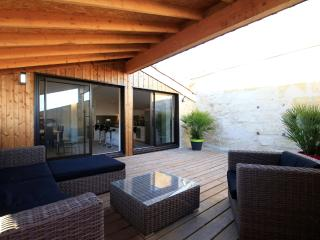 Appart Duplex CAMILLE JULLIAN T5 160m² + Terrasse - Bordeaux vacation rentals