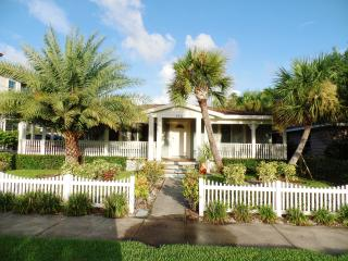 Exclusive Tropical Retreat in Sunny Clearwater Bea - Clearwater vacation rentals
