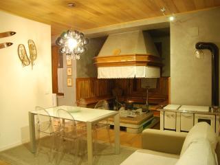 Incantevole casa vacanza nelle Dolomiti - Forno di Zoldo vacation rentals
