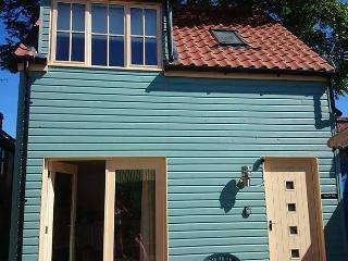 Beach Hut Holiday Cottage, Sheringham - Sheringham vacation rentals