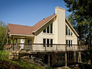 Nice Cottage with Deck and Internet Access - Stanstead vacation rentals