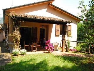 Cozy 3 bedroom Camaiore House with Outdoor Dining Area - Camaiore vacation rentals