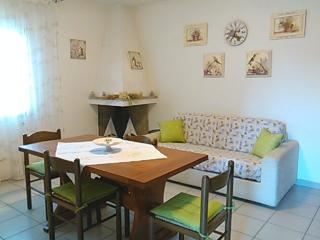 Nice Townhouse with Deck and Television - Murta Maria vacation rentals