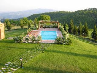 Secluded Umbrian Villa on hilltop location - Monte Castello di Vibio vacation rentals