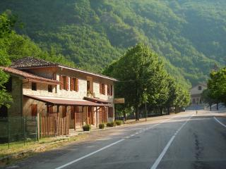 Casa vacanze - Affittacamere - Montefortino vacation rentals