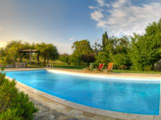 4 bedroom Villa with Internet Access in Acqua Loreto - Acqua Loreto vacation rentals