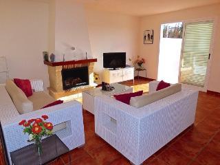 Fantastic large fully furnished 3bedroom villa - Benidorm vacation rentals