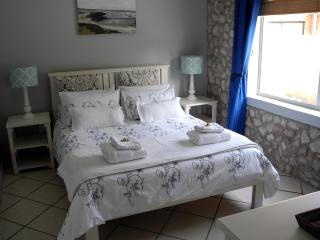 1 bedroom Bed and Breakfast with Internet Access in Cape Agulhas - Cape Agulhas vacation rentals