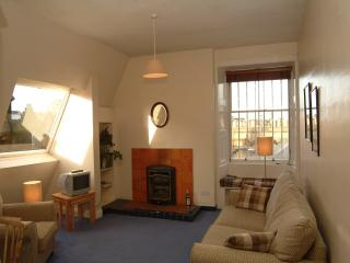 Jeffrey St (Flat 14): Royal Mile, City Centre - Edinburgh vacation rentals