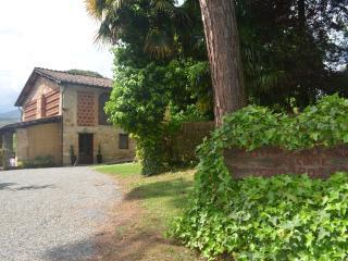 Comfortable 2 bedroom San Leonardo in Treponzio Farmhouse Barn with Deck - San Leonardo in Treponzio vacation rentals