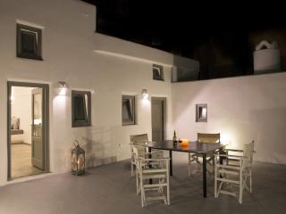 Il Melograno  Traditional Cave House - Karterados vacation rentals