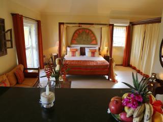 JARDIN DE CORAIL -  ALHAMBRA - Pointe d'Esny vacation rentals