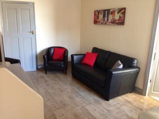 Bright 3 bedroom Gateshead Condo with Internet Access - Gateshead vacation rentals