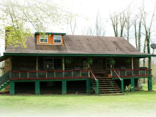 Acorn Cottage, Crossville, TN   Cumberland Plateau - Crossville vacation rentals