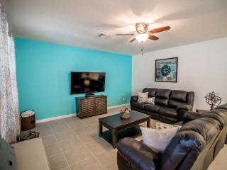 Beautiful 7Bd Pool Home-Spa,GmRm,Int -Fm $185pn! - Orlando vacation rentals