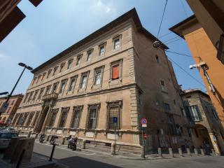 AL BENTIVOGLIO NEO - Exclusive, Patrician Palace - Bologna vacation rentals