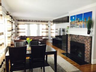 Luxury 4 Bed 2 Bath APT in Boston Pondside JP - Boston vacation rentals
