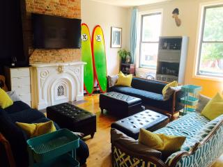 6BR Brooklyn Brownstone w/ Private Decks & Roof! - Brooklyn vacation rentals