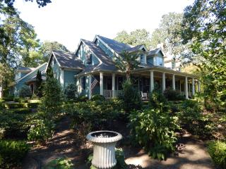 Wildwood Estate - Southern Charm in Wine Country - Newberg vacation rentals